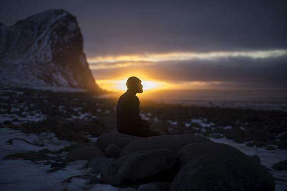 Tom Carroll prepara-se para surfar na Noruega