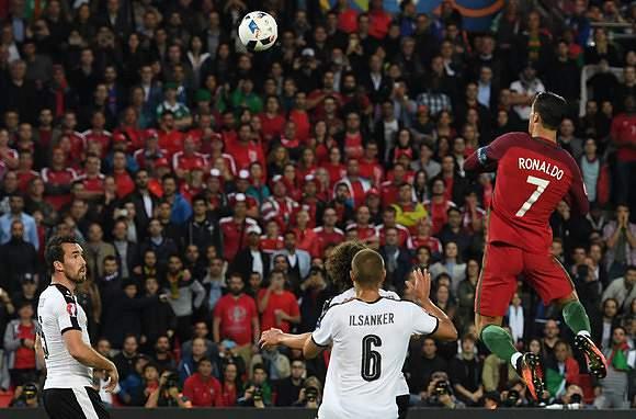 Ronaldo nas alturas