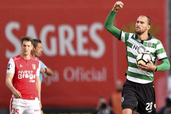Bas Dost do costume resolve com hat-trick em Braga