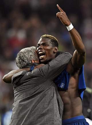 Mourinho deu 'Aquele Abraço' a Pogba