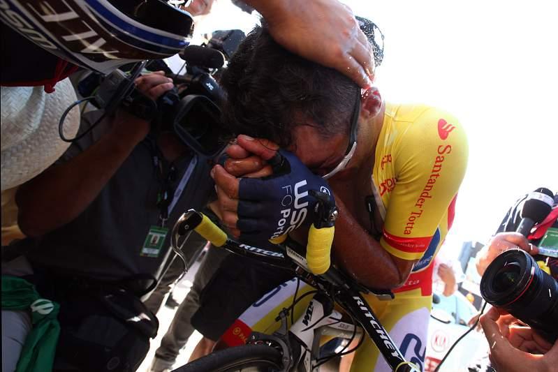 Rui Vinhas chora após vencer a Volta