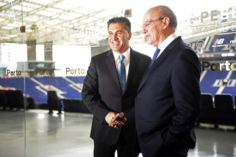 José Peseiro apresentado por Pinto da Costa