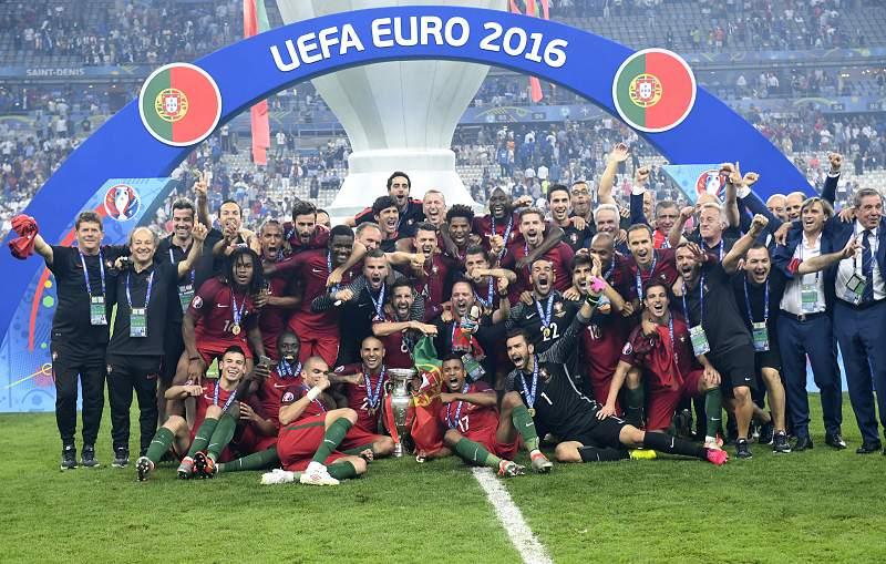 10/07: Portugal campeão da Europa de futebol