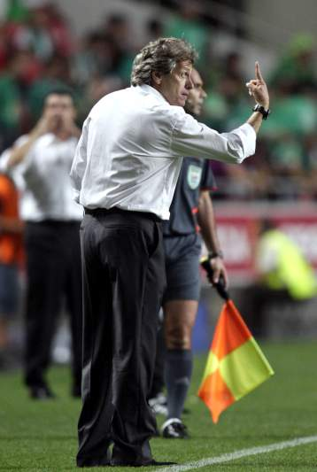 3ª J: Benfica 8-1 V. Setúbal