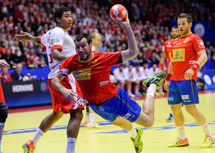 Dinamarca e Espanha em jogo das meias-finais
