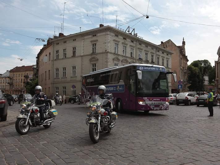 Seleção chega ao hotel em Lviv