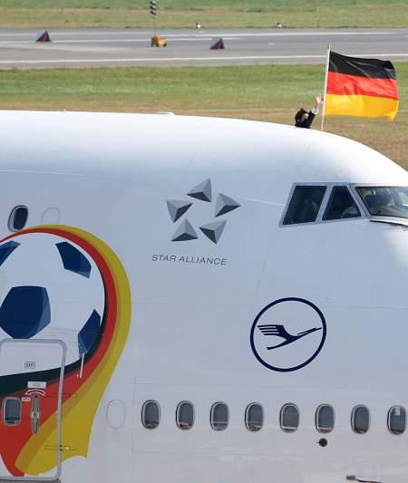 O avião da seleção chegou de manhã