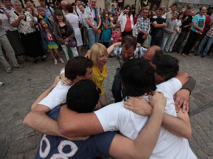 Portugueses fazem festa em Lviv