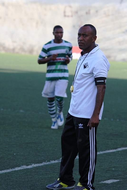 Treinador  Académica do Porto Novo