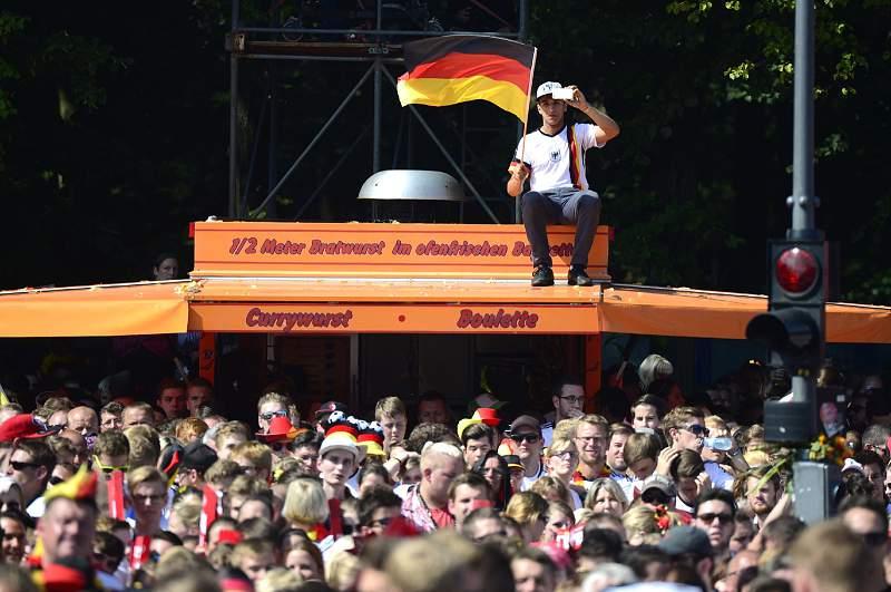 A festa culminou no Portão de Brandenburgo