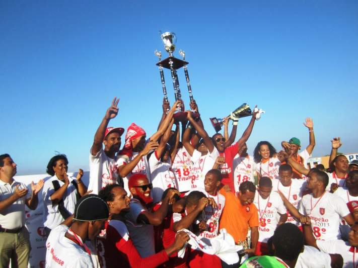 Mindelense campeão de Cabo Verde 2013