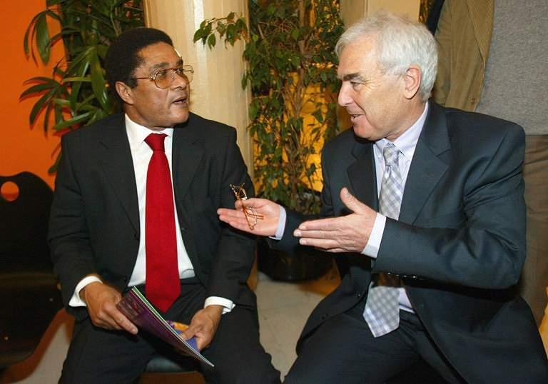 Eusébio e Jeno Kamuti (2003)