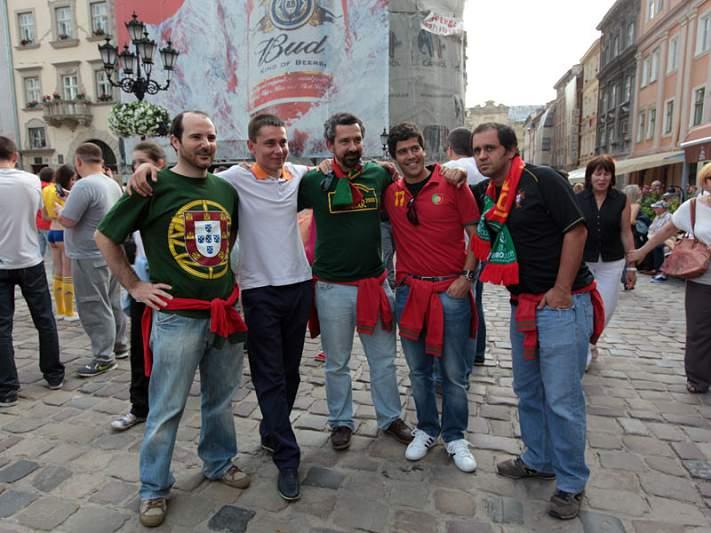 Ucranianos pedem fotos com portugueses
