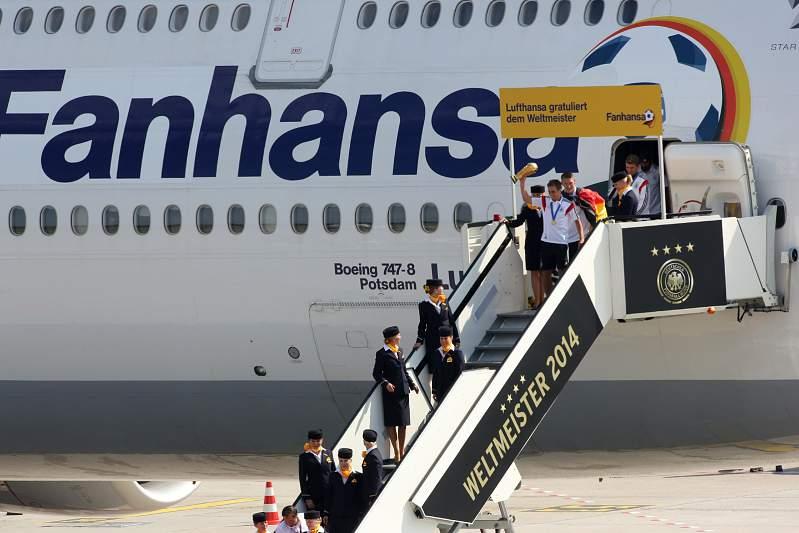 Seleção alemã aterra em Berlim
