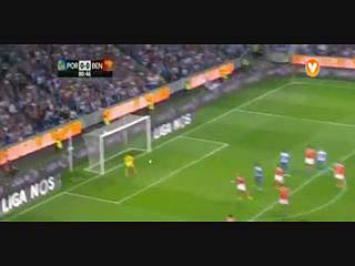 FC Porto, Jogada, M. Layún, 80m
