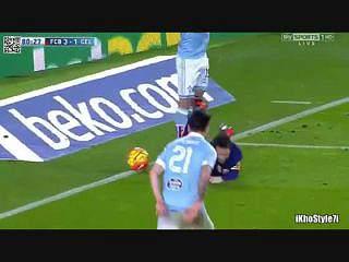 Messi e Suárez marcam Penálti do Ano