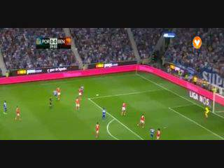 FC Porto, Jogada, M. Layún, 40m