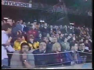 Há 13 anos, Figo regressava a Camp Nou com a camisola do Real Madrid