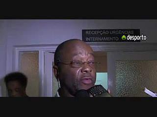 Joel Libombom reage à morte de Coluna