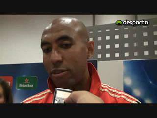 Luisão responde a antigos jogadores do Benfica