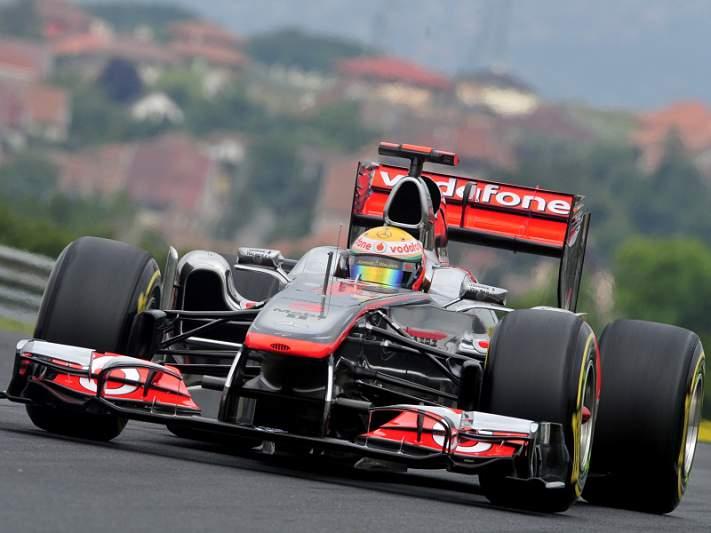 McLaren-Mercedes domina segunda sessão de treinos