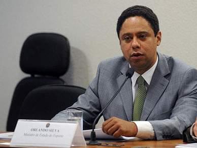 Corrupção e FIFA derrubam Ministro do Desporto
