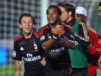 Milan sagra-se campeão de Itália