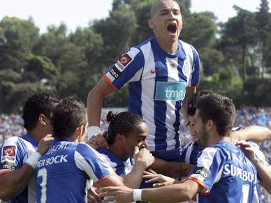 FC Porto em vantagem em final vibrante