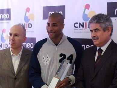 Nélson Évora renova com o Benfica até 2013