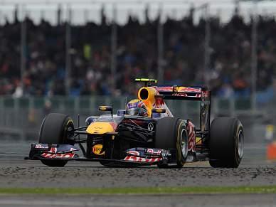 Webber arranca a pole em Silverstone