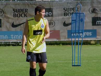 João Reis e James Rodriguez na lista da FIFA