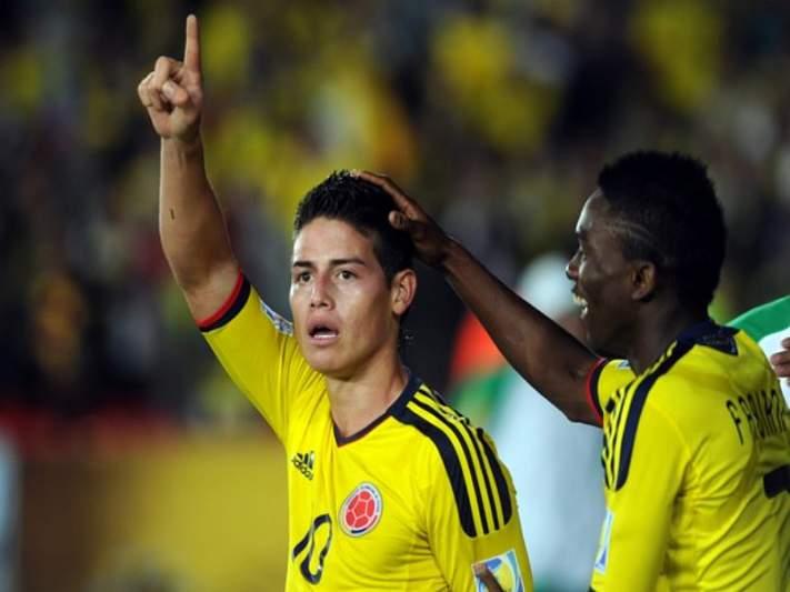 Colômbia de Arias e James nos oitavos