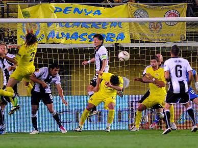 Villareal recupera terceiro lugar