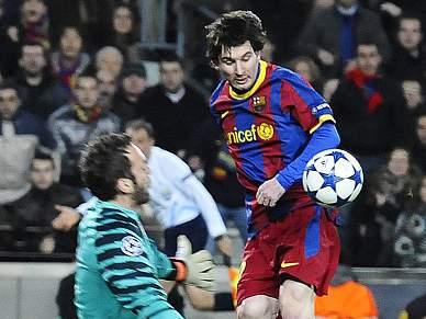 Barcelona em vantagem ao intervalo