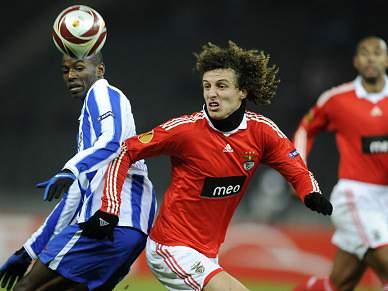 Mourinho atento a David Luiz e Bruno Alves