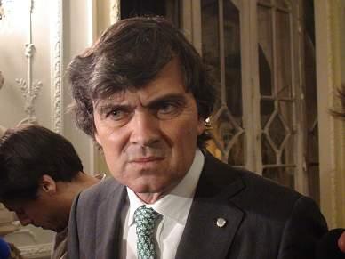 Passe de Daniel Carriço controlado por Pedro Baltazar