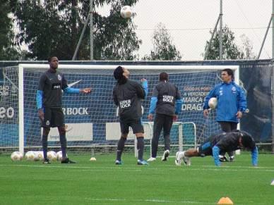 FC Porto regressa aos treinos sem internacionais mas ainda com Hulk