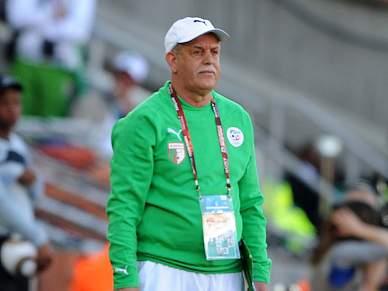 Técnico argelino lamenta derrota frente à Sérvia