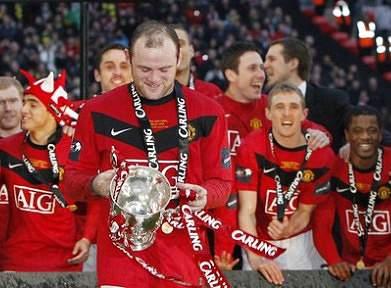 Manchester United com prejuízo recorde de 95,5 milhões de euros