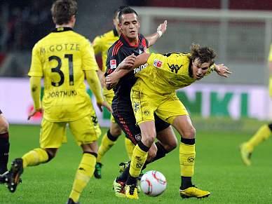 Dortmund vence em Leverkusen e reforça liderança