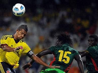 Guarin e Falcao na vitória da Colombia frente ao Senegal