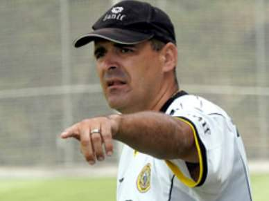 Jokanovic substitui Manuel Machado