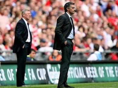 Ferguson vê Mourinho regressar um dia