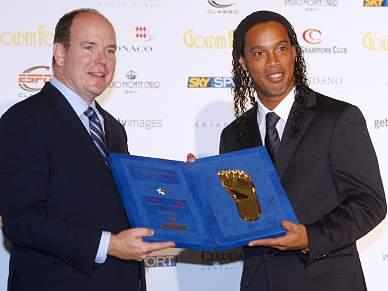 """Ronaldinho """"Até fico no banco de suplentes se isso ajudar o Milan"""""""