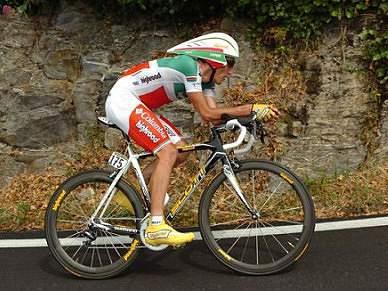 Marco Pinnoti lidera a prova