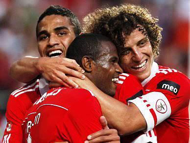 Benfica assusta e deslumbra a seguir