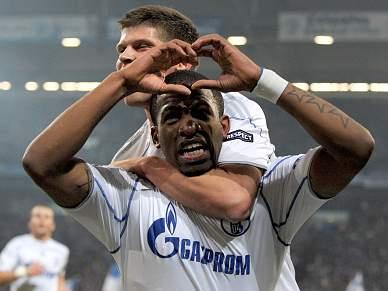 Farfan apura Schalke 04 para os