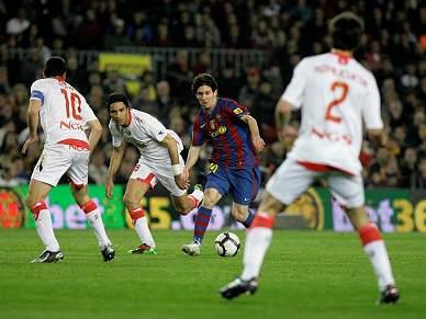 Barça lidera à condição e Valência reforça 3º lugar