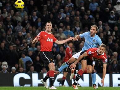 Rivais de Manchester em duelo pela Taça