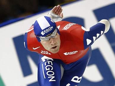 Mark Tuitert vence os 1500 metros de patinagem velocidade